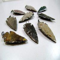 Jasper-Arrowhead-pendant-Black-Plated