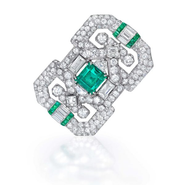 Jewels An emerald diamond and platinum plaque clip brooch French