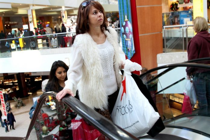 National Retail Federations Predicts Holiday Spending Will Be up This Year