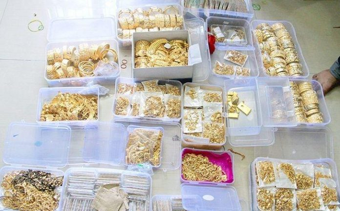 Plane recalled from runway, jeweller held with gold stash