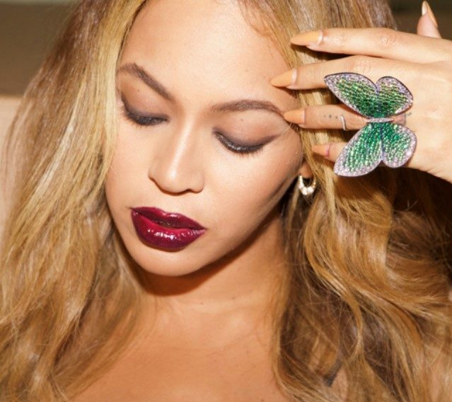Beyonce donates ring by British jeweller