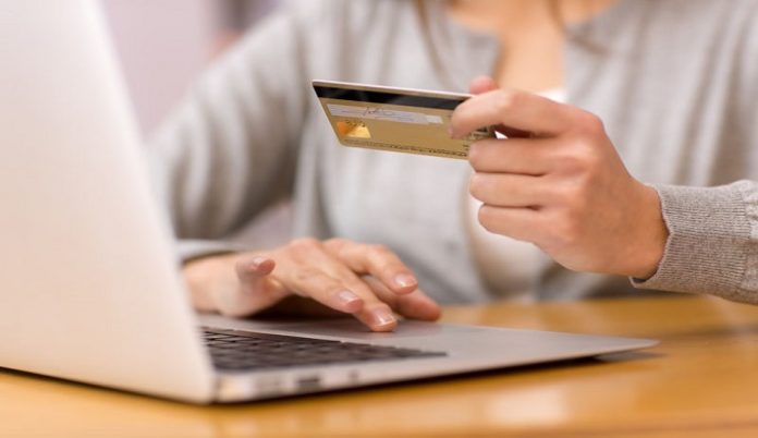 Online retail strengthens amid high street struggles