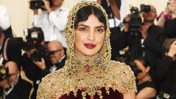 Priyanka Chopra headgear turned heads at the red carpet of Met Gala 2018