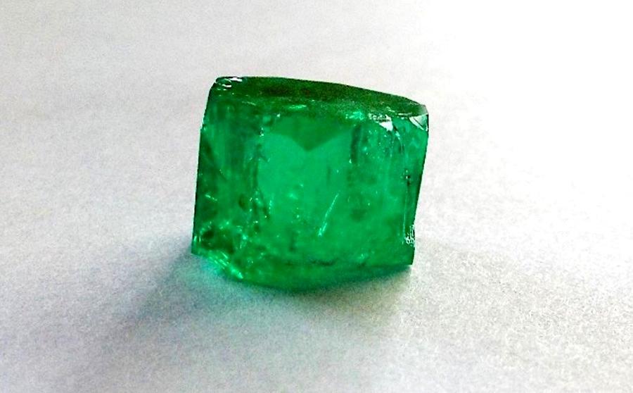 FURA Gems discovers an exceptional 25.97 carat Columbian Emerald