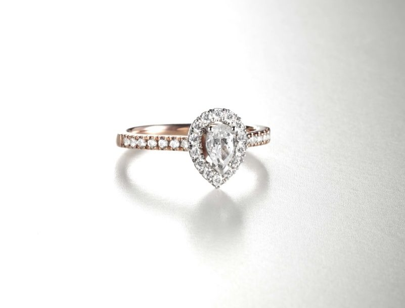 Pear halo from Dominos Diamond Ring Mount Offering