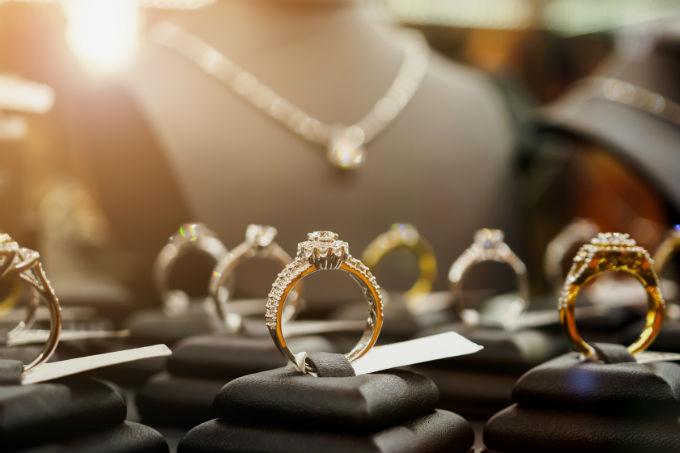 Major HK jewellers report robust business