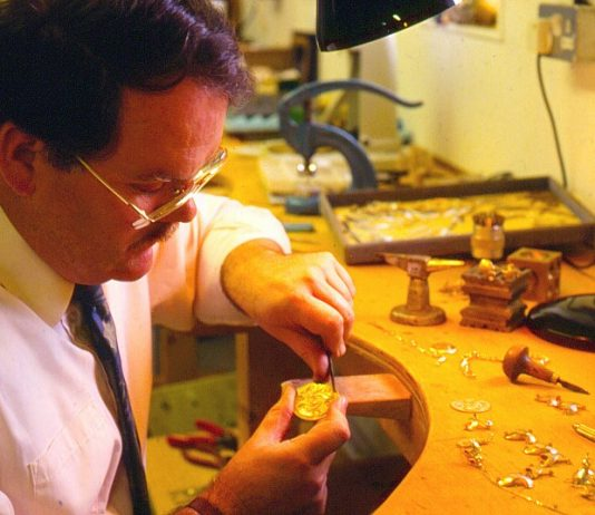 Irish jeweller sues former employees for passing off products