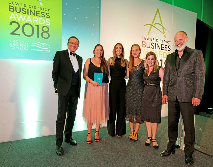 """Alexis Dove wins local retail accolade for creating an """"exemplary"""" customer service experience"""