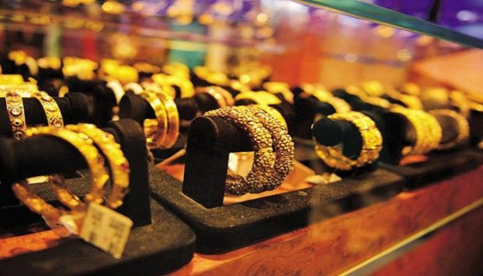 Gold imports in June quarter dip 25% to $8.43 billion