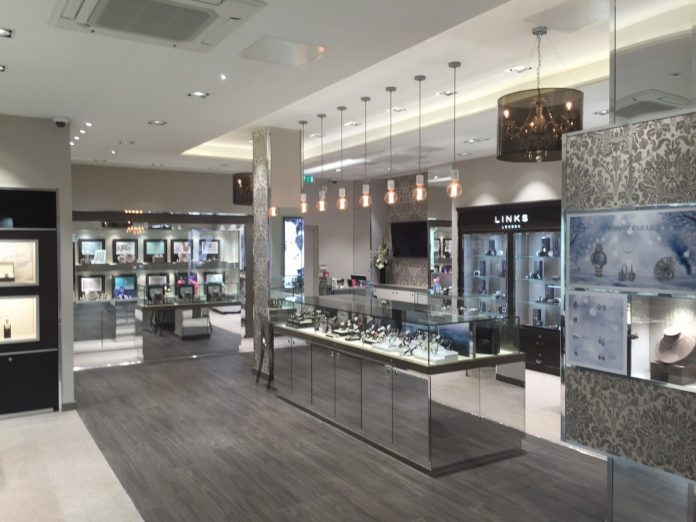 Jewellery shoppers favour shopping in-store for higher end purchases, report reveals