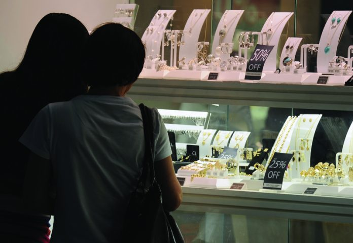 Scots spend more on jewellery as an anniversary gift, study claims