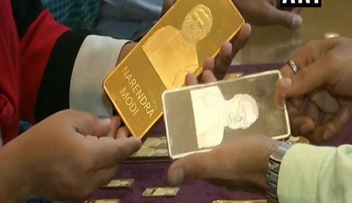 Surat jewellery shop sells gold, silver bars