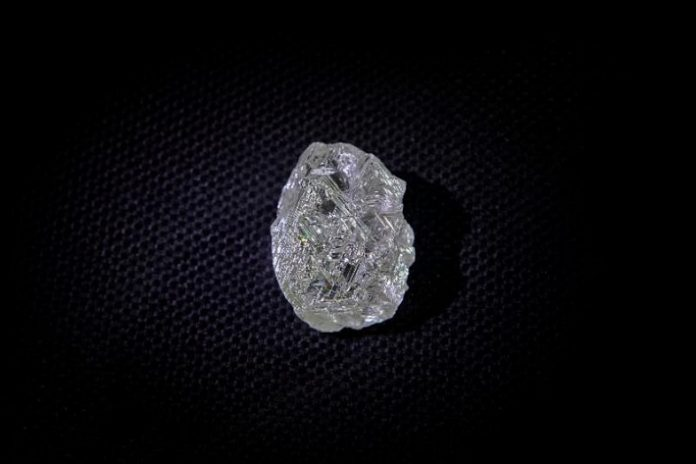 ALROSA mines the largest diamond in recent years