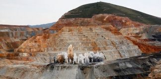 Newmont cuts jobs at Nevada gold mining operation