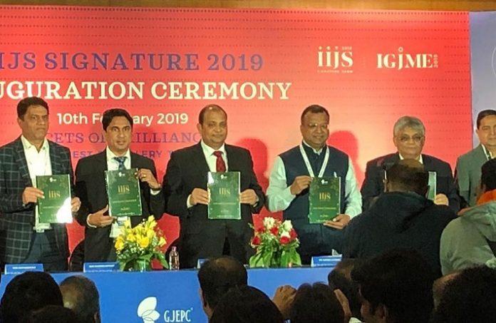 IIJS Signature kick starts in Mumbai with Optimism
