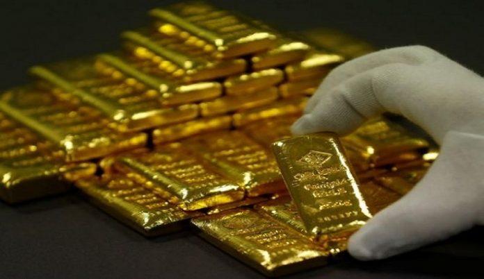 Precious-Gold slips to 1-week low as global slowdown fears ease