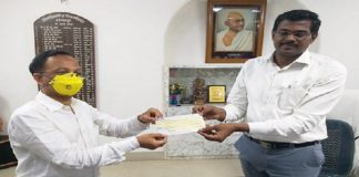 Aisshpra Gems and Jewels on behalf of Aisshpra Foundation Donates 11 Lakhs for Coronavirus Rescue in Gorakhpur