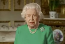 Queen Chooses Turquoise and Diamond for Coronavirus Address