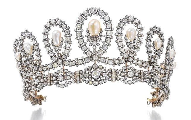 Queen of Spain's Tiara Sells for $1.6m